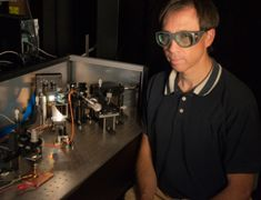 Laser system developed to mimic sunlight and test solar efficiency